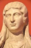 Scultura in marmo di Julia Soaemias, imperatrice dellImpero Romano. E  stata uccisa e il suo nome rimosso da documenti ufficiali