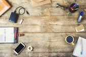 Mischung aus Büromaterial und gadgets