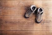 Turistické boty na dřevěnou podlahu