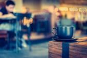 Hrnek na kávu v kavárně café