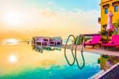 Krásné luxusní resort bazén