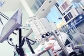 Lékařské vybavení v popředí