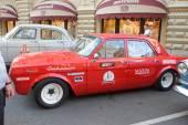 Sovětské retro, závodní auto dzintara Volha gaz-24 na retro rallye gorkyclassic o guma, Moskva, boční pohled