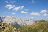 Karnské Alpy pohled z Geo Trail Wolayersee v Rakousku Lesachtal Korutany