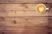 Kaffee auf Textur Holz Tisch mit Platz für text