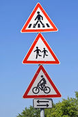 Přechod pro chodce a půjčovna dopravního značení