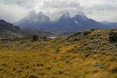 Drsné horské krajiny v Torres del Paine, Chile, Patagonie