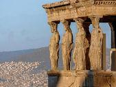 Caryatides, Athénách