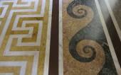 Gyönyörű márvánnyal díszített padló