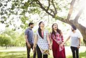 Indické přátelé v parku