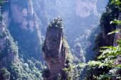 Tajemné hory Zhangjiajie, provincie Hunan v Číně