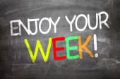 Godetevi il vostro settimana scritto su una lavagna