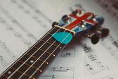 List poznámek ukulele a hudba