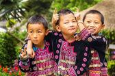 Chlapci v tradičním oblečení
