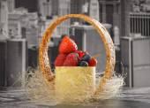 Mini cheesecake New-York with white chocolate and fresh berries