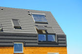 Closeup dílce solární voda, Topení, vikýře, solární panely, obloha