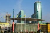 Yiwu, Kína - szeptember 2: Panorama Yiwu nemzetközi kereskedelmi város a szeptember 2, 2015-ben Yiwu, Zhejiang tartomány, Kína. Yiwu tekinthető kis áruk nagykereskedelmi, a világ legnagyobb piaca