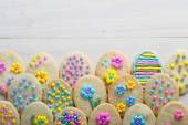 Díszített húsvéti süti