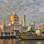 Постер, плакат: Sultan Omar Ali Saifuddin Mosque Brunei Darussalam
