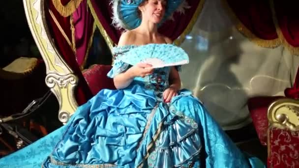 Девушка в платье дразнит видео фото 290-570