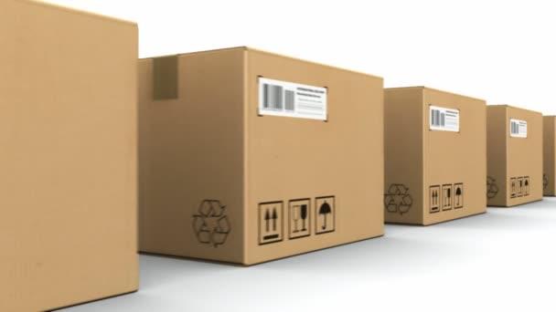 řada kartonových krabic