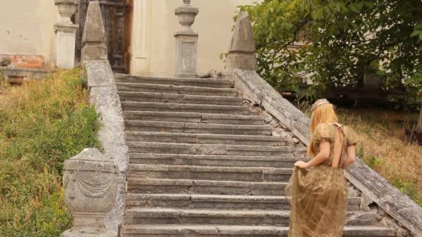 Principessa sale le scale
