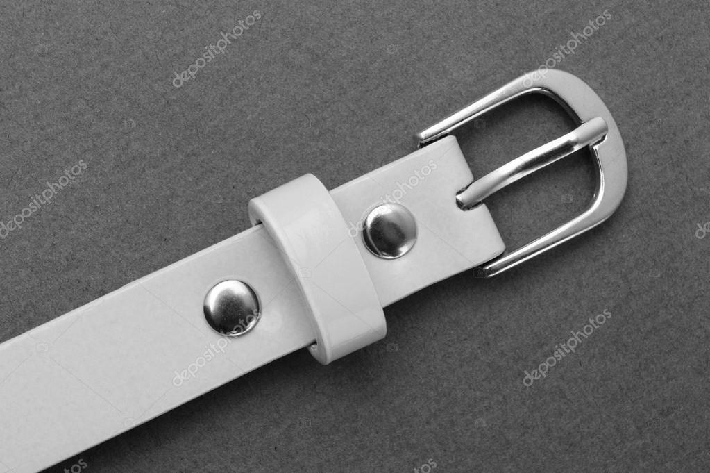 ad6cec89634 bílý pásek s přezkou — Stock Fotografie © Observer  108592312