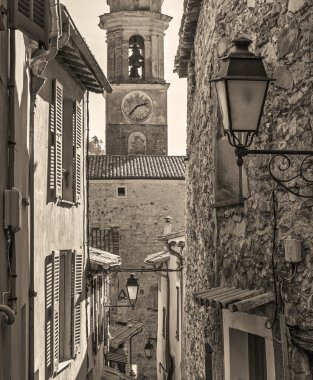 Narrow streets in the old village Lyuseram