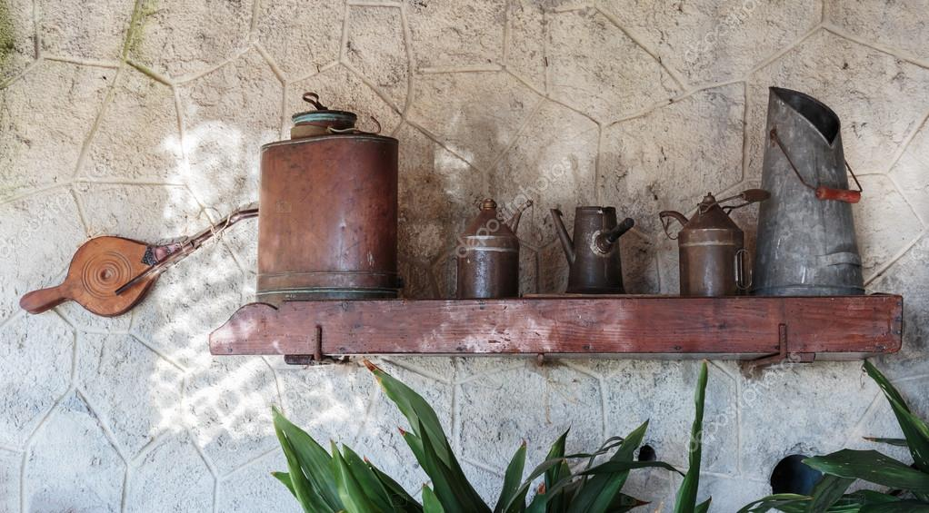 vecchi utensili da cucina — Foto Stock © Observer #81023614
