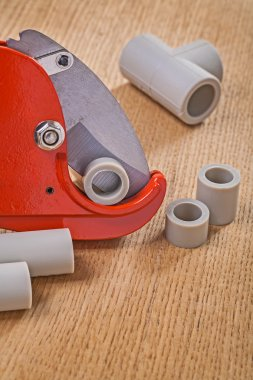 Pipe cutter with cutted pipes