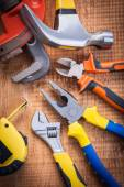 Nastavit o f nástroje na dřevěné desce
