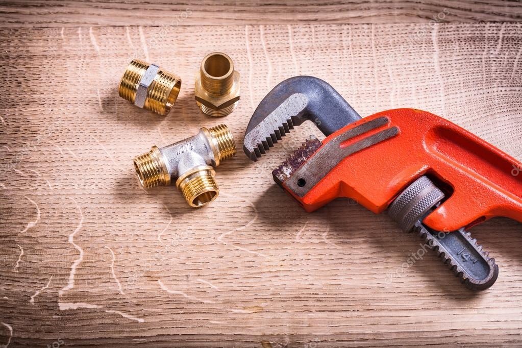 Sanitair Van Hout : Sanitair tools ingesteld op hout u stockfoto mihalec