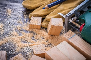 electric sawdust, working protective gloves