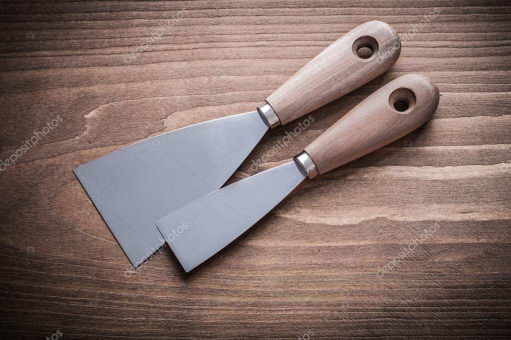 putty knives with wooden handles