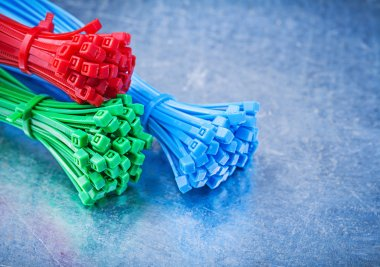 Plastic self-locking cable ties