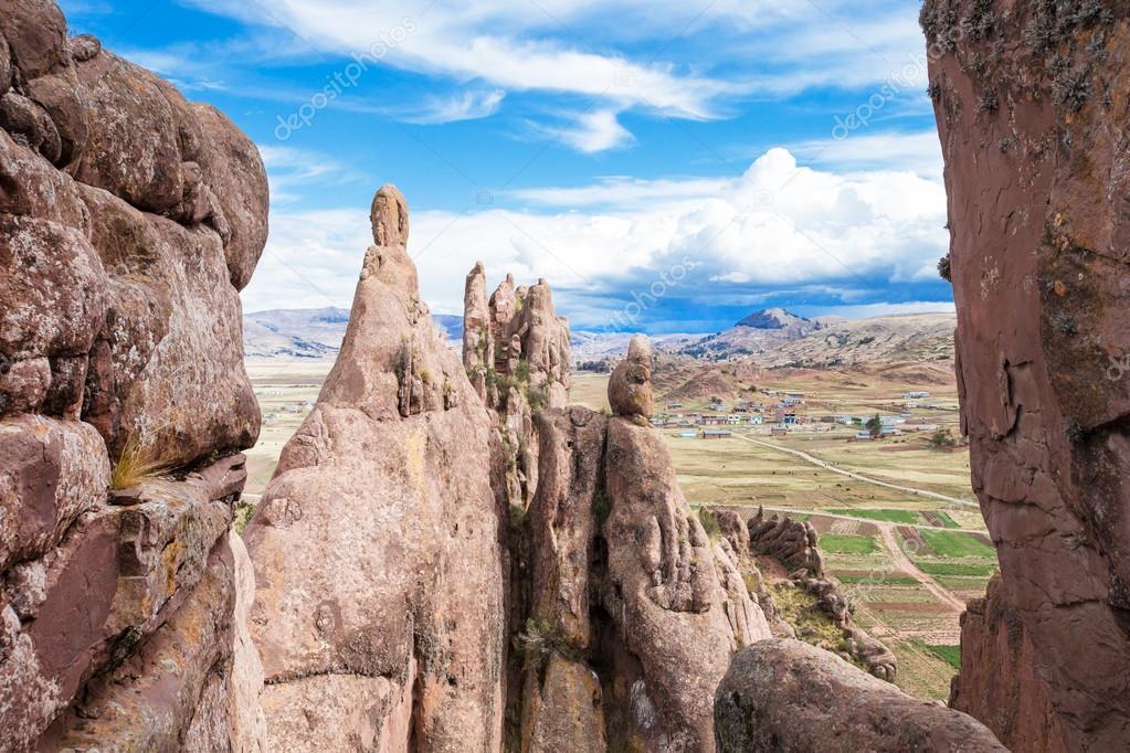 Hayu Marca rock formations