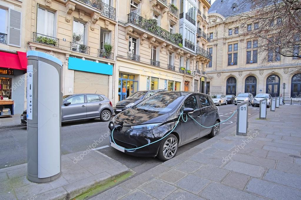 Elektrische Auto Kosten In Parijs Redactionele Stockfoto C Uatp12