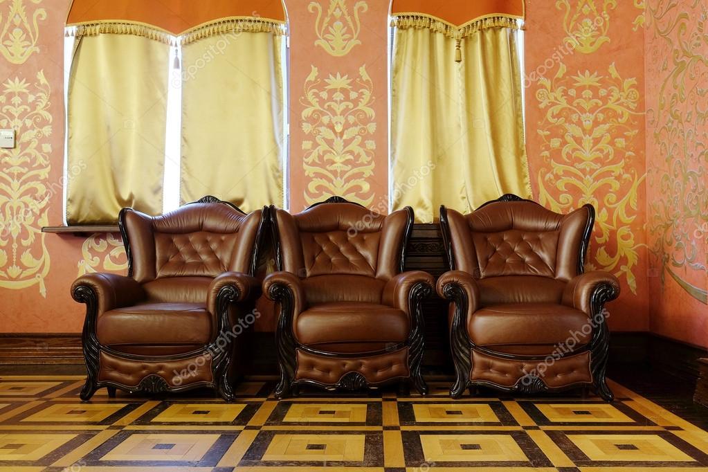 Bruin Lederen Kuipstoelen.Bruin Lederen Stoelen Stockfoto C Uatp12 64090631