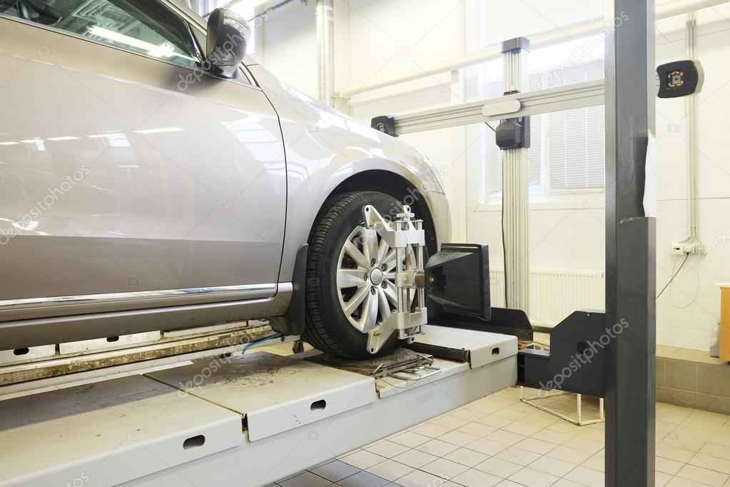 Interieur van een auto reparatie station — Stockfoto © uatp12 #81380450