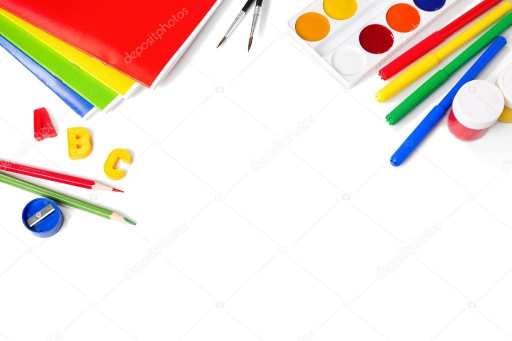 Ausstattung der Schule mit Stiften, Pinseln und Farben isoliert auf ...
