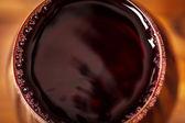 červené víno ve sklenici
