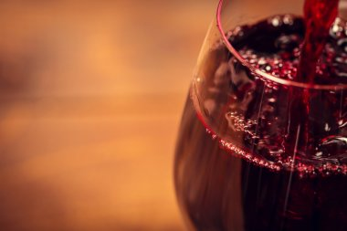 Fine Pouring red wine