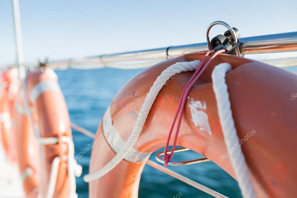 "Результат пошуку зображень за запитом ""рятувальники на човні"""