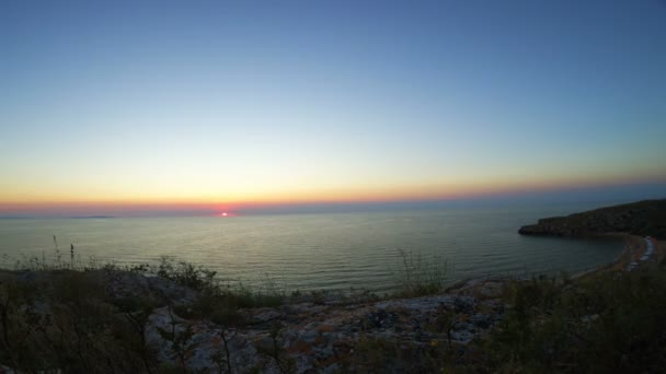 Timelapse moře Sunset Beach, západu slunce, soumrak čas, Seashore vlny Seascape zobrazit v laguně s deštníky