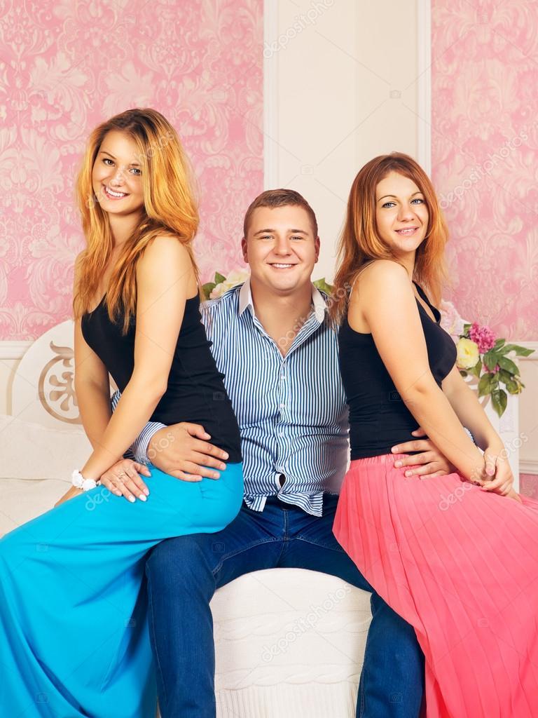 Секс в троём две девушки