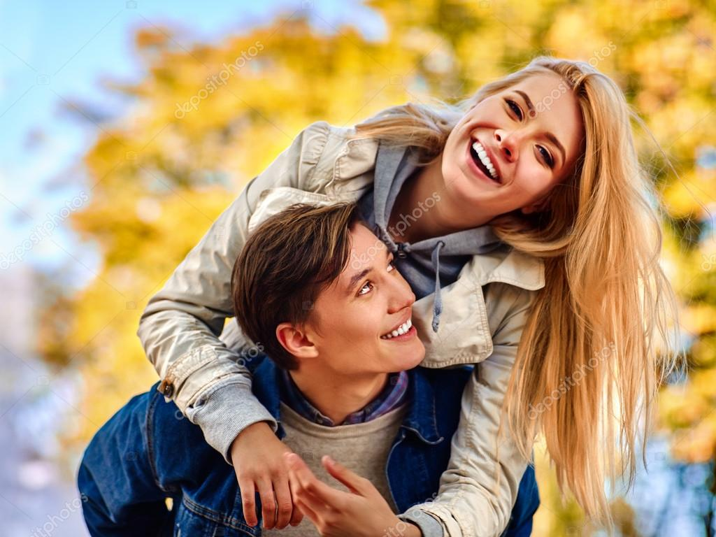 Flirter : Dfinition du verbe simple et facile du dictionnaire - L Internaute Casser la routine dans le flirt en ligne