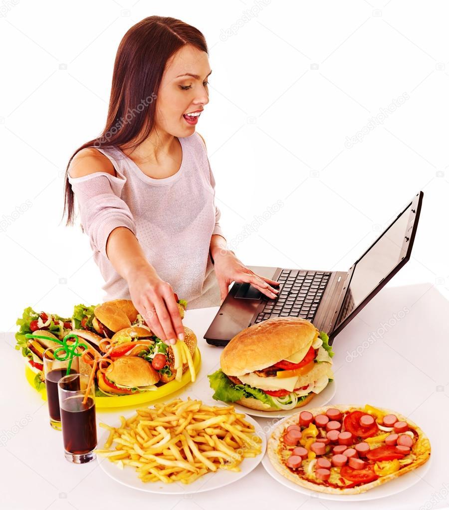Mujer comiendo comida chatarra foto de stock poznyakov - Fotos de comodas ...