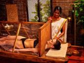 Fotografie žena s Ájurvéda sauna