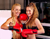 Boksz ring sport két lány portréja