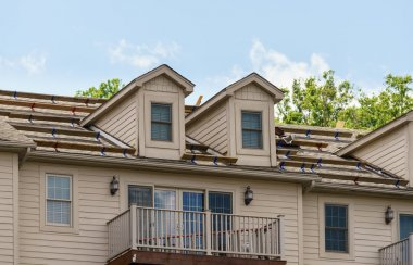 Construction of roof replacement